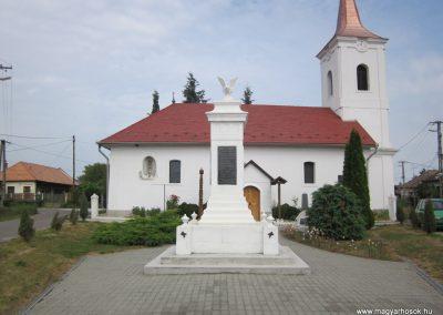 Kazincbarcika - Barcika világháborús emlékmű 2011.09.17. küldő-kalyhas (12)