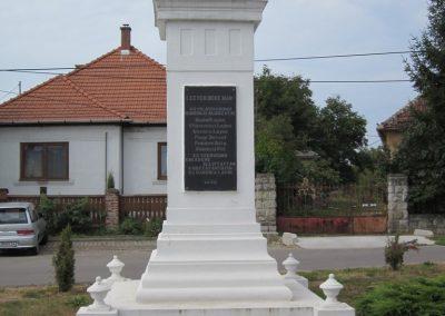 Kazincbarcika - Barcika világháborús emlékmű 2011.09.17. küldő-kalyhas (4)