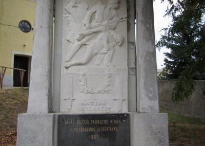 Kazincbarcika - Sajókazinc világháborús emlékmű 2011.09.17. küldő-kalyhas (2)