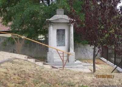 Kazincbarcika - Sajókazinc világháborús emlékmű 2011.09.17. küldő-kalyhas (4)
