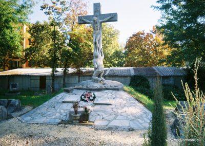 Kecskemét Szentháromság kegyeleti temető I. világháborús emlékhely 2010. küldő-Emese (1)