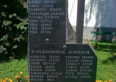 Kehidakustány világháborús emlékmű 2010.08.10. küldő-Csiszár Lehel (1)
