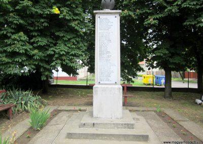 Kemecse világháborús emlékmű 2013.05.23. küldő-kalyhas (2)