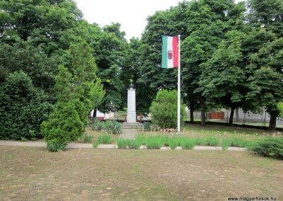 Kemecse világháborús emlékmű 2013.05.23. küldő-kalyhas