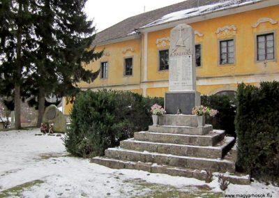 Kemence világháborús emlékmű 2013.03.18. küldő-kalyhas (7)