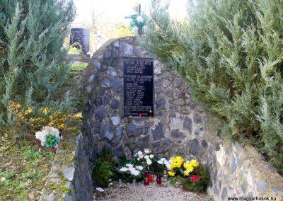 Kemendollár ollári temető világháborús emlékmű 2013.11.16. küldő-HunMi