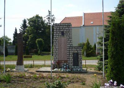 Kemenesszentpéter világháborús emlékmű 2009.05.15. küldő-Sümec