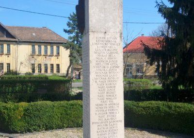 Kenderes II. világháborús emlékmű 2017.04.01. küldő-belamiki (3)