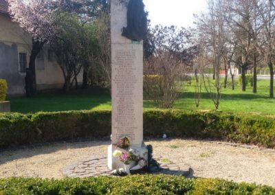 Kenderes II. világháborús emlékmű 2017.04.01. küldő-belamiki