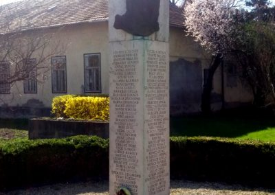Kenderes II. világháborús emlékmű 2017.04.01. küldő-belamiki (5)