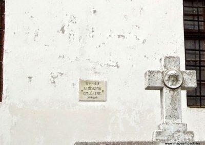 Keréktelki I. és II. világháborús emlékmű 2014.11.10. küldő-Méri (1)