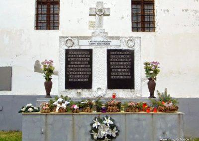 Keréktelki I. és II. világháborús emlékmű 2014.11.10. küldő-Méri (3)