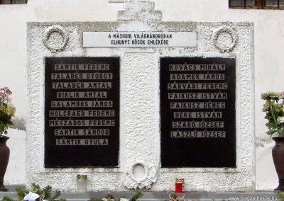 Keréktelki I. és II. világháborús emlékmű 2014.11.10. küldő-Méri (4)