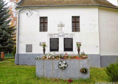 Keréktelki I. és II. világháborús emlékmű 2014.11.10. küldő-Méri (7)