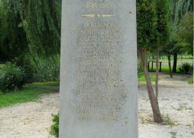 Kereki világháborús emlékmű 2010.08.05. küldő-Mistel (1)