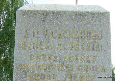 Kereki világháborús emlékmű 2010.08.05. küldő-Mistel (13)