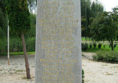 Kereki világháborús emlékmű 2010.08.05. küldő-Mistel (15)