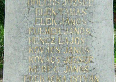 Kereki világháborús emlékmű 2010.08.05. küldő-Mistel (3)