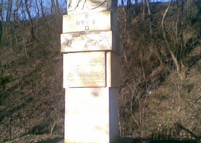 Kerepes Hősi emlékmű 2009.12.28. küldő-Huszár Peti