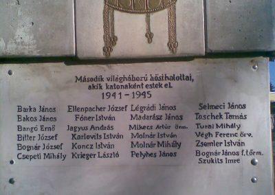 Kerepes Hősi emlékmű 2009.12.28. küldő-Huszár Peti (5)