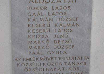 Kerkáskápolna világháborús emlékmű 2009.03.02.küldő-Sümec (4)