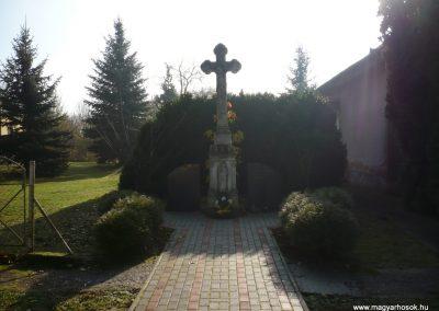 Kerkakutas világháborús emlékmű 2009.11.17. küldő-Sümec