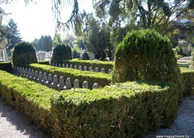 Keszthely I. világháborús katona sírkert 2013.10.04. küldő-Sümec (1)