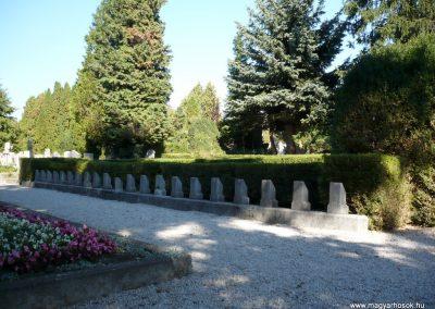 Keszthely I. világháborús katona sírkert 2013.10.04. küldő-Sümec (4)