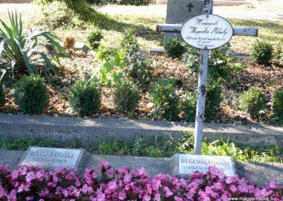 Keszthely II. világháborús katona sírkert 2013.10.04. küldő-Sümec (2)