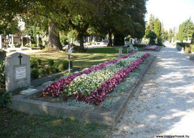 Keszthely II. világháborús katona sírkert 2013.10.04. küldő-Sümec