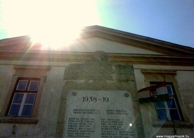 Keszthely II.vh emlékmű 2011.06.12. küldő-Ágca (2)