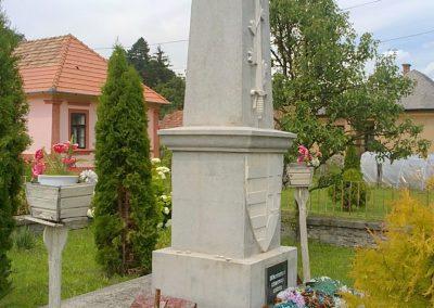 Királd világháborús emlékmű 2012.06.29. küldő-Pataki Tamás (4)