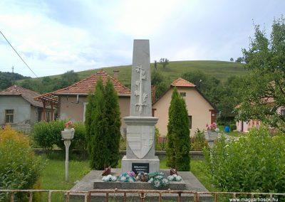 Királd világháborús emlékmű 2012.06.29. küldő-Pataki Tamás