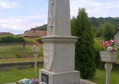Királd világháborús emlékmű 2012.06.29. küldő-Pataki Tamás (7)