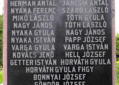 Királyegyháza világháborús emlékmű 2010.05.22. küldő-KRySZ (6)