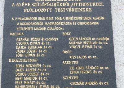 Királyhelmec világháborús emlékmű 2009.05.31.küldő-Ágca (7)