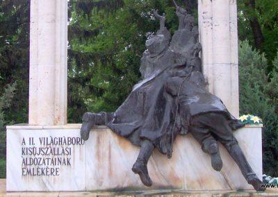 Kisújszállás II.vh emlékmű 2009.05.14. küldő-miki (1)