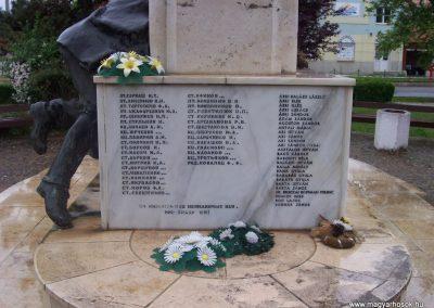 Kisújszállás II.vh emlékmű 2009.05.14. küldő-miki (5)