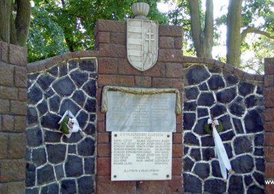 Kisapáti világháborús emlékmű 2013.07.04. küldő-Méri (6)