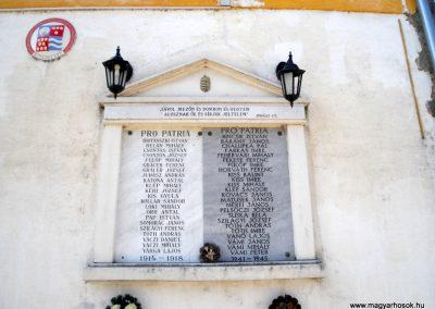 Kisapostag világháborús emléktáblák 2012.03.17. küldő-baloghzoli