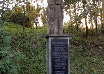 Kisasszond világháborús emlékmű 2014.10.25. küldő-kalyhas (2)