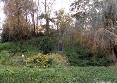 Kisasszond világháborús emlékmű 2014.10.25. küldő-kalyhas (5)