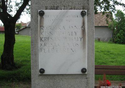 Kisbágyon világháborús emlékmű 2010.05.14. küldő-kalyhas (3)