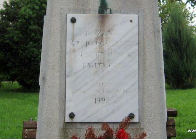 Kisbágyon világháborús emlékmű 2010.05.14. küldő-kalyhas (6)