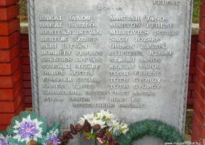 Kisbárapáti világháborús emlékmű 2009.12.09. küldő-Sümec (4)