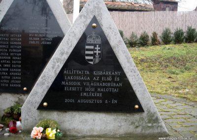 Kisbárkány világháborús emlékmű 2011.02.19. küldő-kalyhas (4)