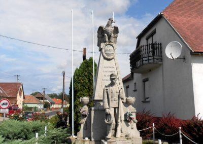 Kisbabot világháborús emlékmű 2012.08.26. küldő-Baloghzoli