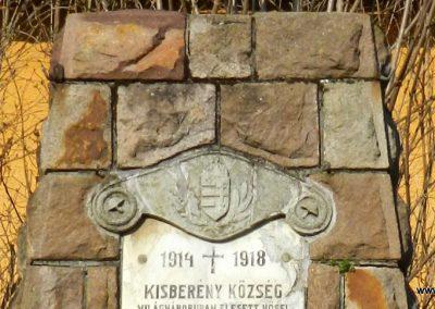 Kisberény világháborús emlékmű 2017.03.11. küldő-Huber Csabáné (1)