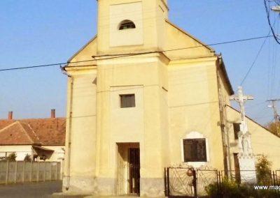 Kisberzseny világháborús emléktáblák 2014.10.07. küldő-Méri (1)