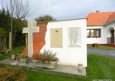 Kisbucsa II. világháborús emlékmű 2017.10.08. küldő-Huber Csabáné